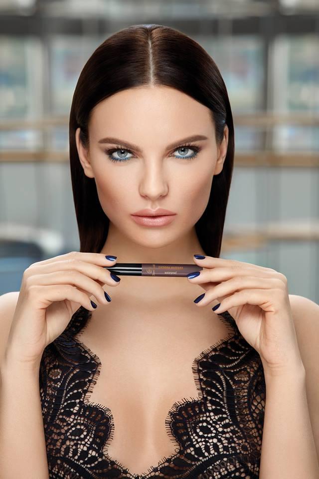 Chuyên gia trang điểm CH Séc - Người nắm giữ bí mật nhan sắc của các hoa hậu thế giới